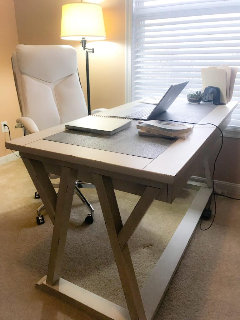Desk Pier 1.  #organization #solution #homeoffice