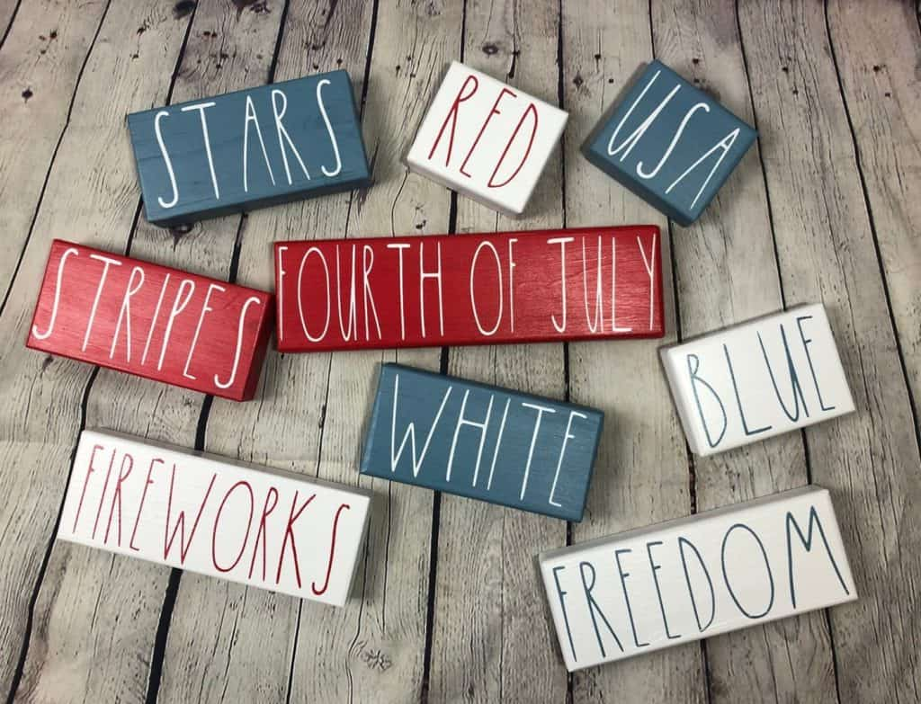 fourth of july festive painted blocks patriotic table decoration ideas