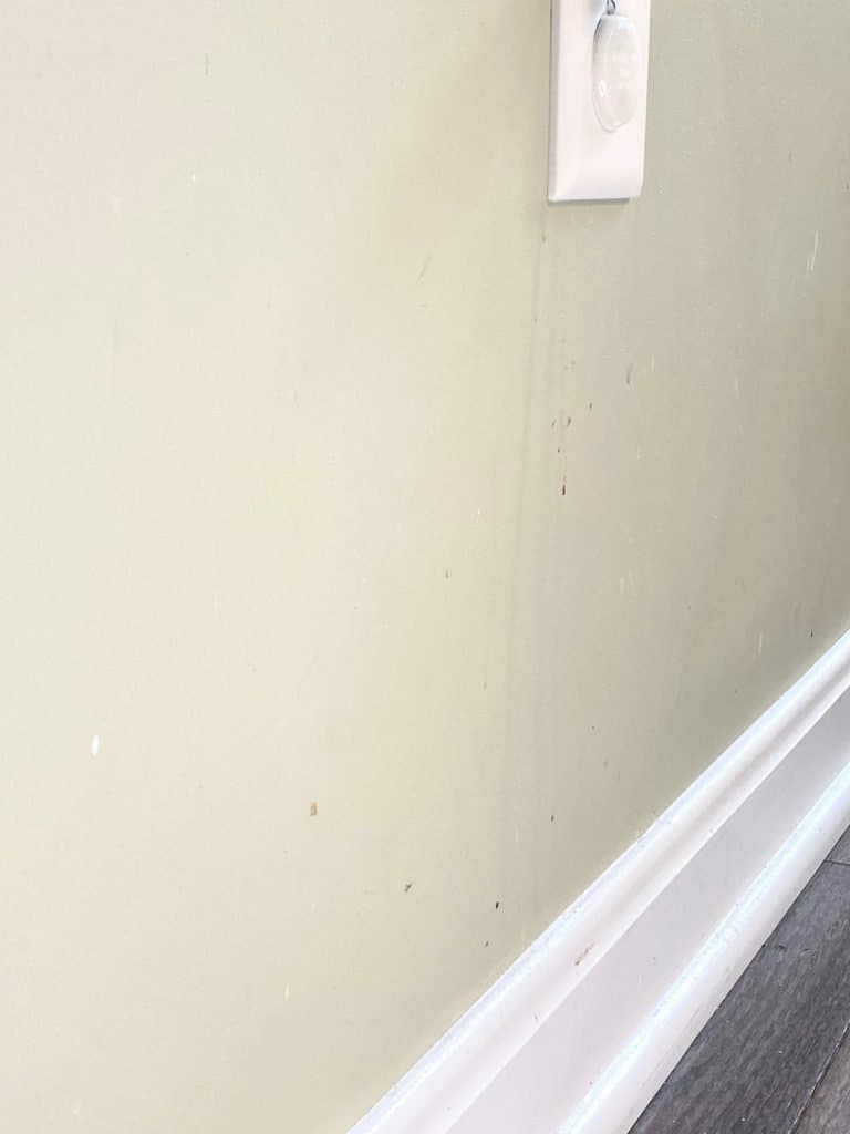 dirty walls splatter