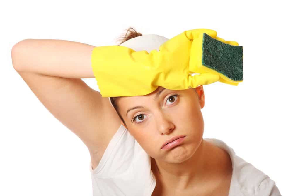 wear-gloves-with-household-bleach