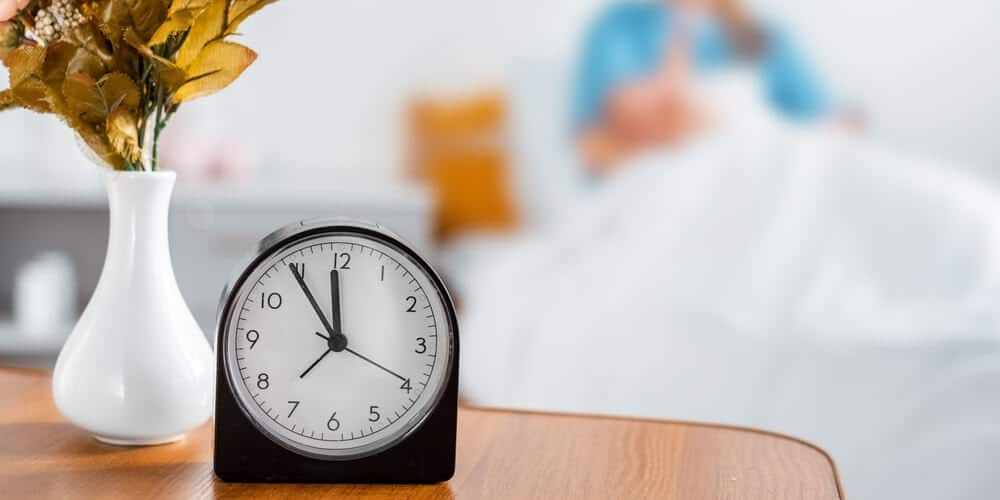 dry clothes for less time black clock with white face