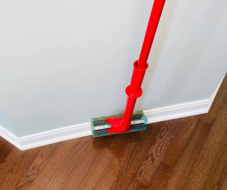 floor mop to clean baseboards without bending over